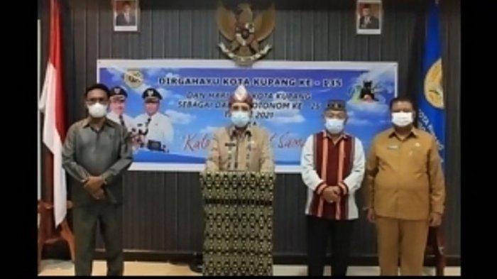 Upacara hari ulang tahun Kota Kupang yang ke-135 dan hari jadi Kota Kupang sebagai daerah otonom yang ke-25, yang jatuh pada 25 April 2021, di Ruang Garuda Wali Kota Kupang secara virtual, Senin (26/4/2021)