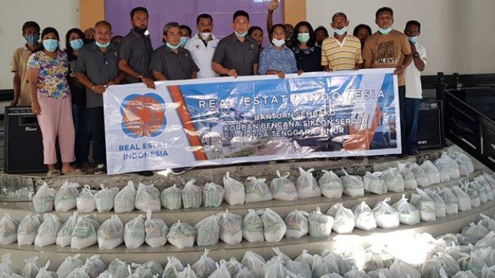 REI Salurkan Bantuan Tahap Tiga Berupa Tenda Darurat