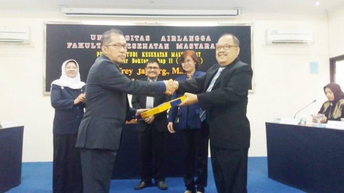 Rektor UCB Jeffrey Jap Resmi Sandang Gelar Doktor dengan Cum Laude