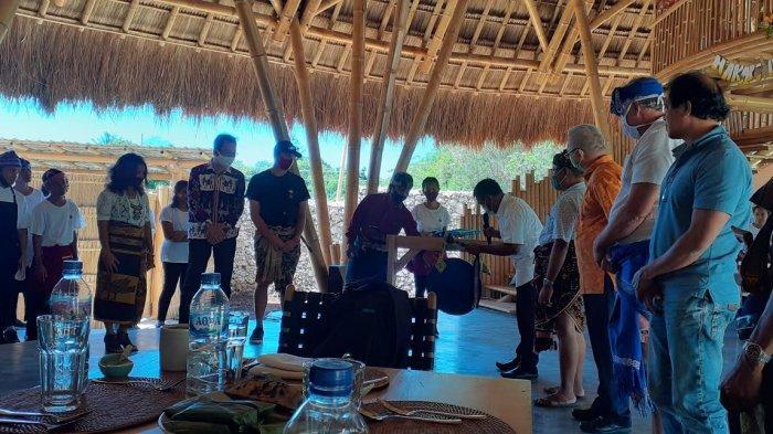 Bupati Kodi Mete Rindukan Restaurant Hadir di Kodi Sumba Barat Daya