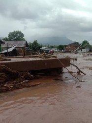 Kondisi Desa Lamanele, Kecamatan Ile Boleng dan Desa Waiburak yang tertimbun longsor