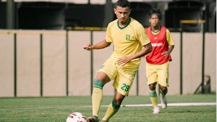 Rivaldi Bawuo  Keluar dari Persebaya Surabaya Jelang Liga 1,  Ini Respon Mengejutkan Aji Santoso