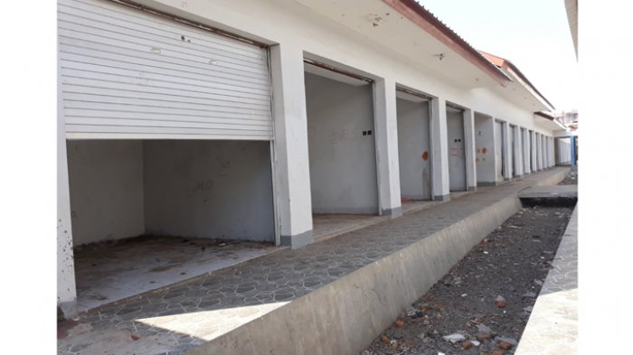 Rolling Door Pasar Inpres Larantuka Sebagian Besar Sudah Rusak