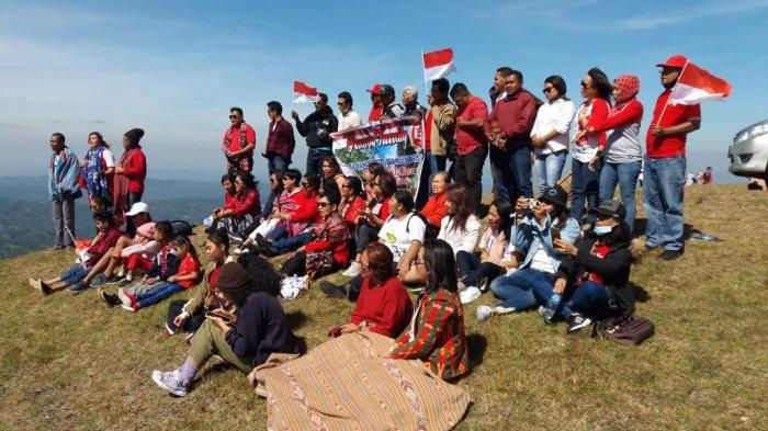 TRIBUN WIKI : Merajut Kebersamaan di Punggung Bukit Fatumnasi Molo Utara TTS