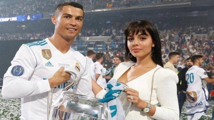 Penampilan Hot Georgina Rodríguez, Pacar Christiano Ronaldo, Saat Nonton Bola