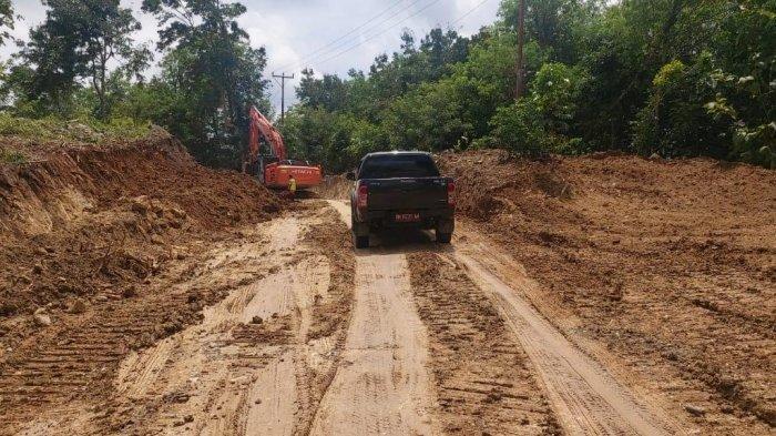 Ruas Jalan SP Nenuk-Lookeu Kabupaten Belu Dikerjakan