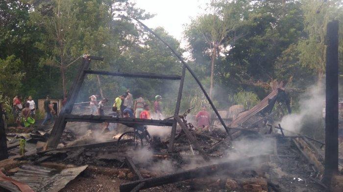 Rumah Warga di Desa Oelami Hangus Terbakar Dilahap Sijago Merah