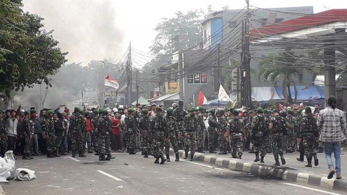 Petamburan Kembali Panas, Massa dari Tanah Abang Mulai Teriaki Polisi