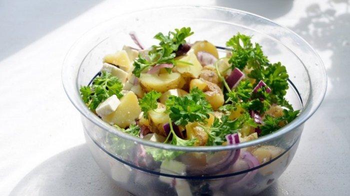 Jadi Salah Satu Pilihan Hidangan, Ini Tips Agar Salad Kentang Anda Terasa Sempurna