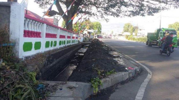 Jelang  HUT  Kemerdekaan, Kota Maumere Mendadak Bersih