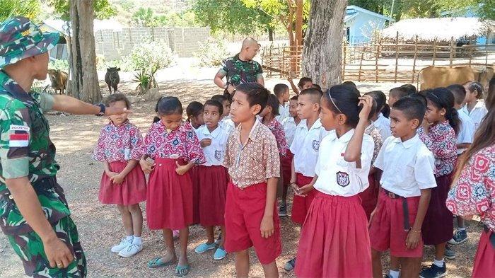 Satgas Pamtas Ajar Anak Sekolah di Perbatasan, Lihat Reaksi Anak Sekolah