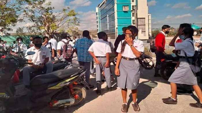 Satgas Penanganan Covid-19 Kecamatan Kelapa Lima Bubarkan KBM Tatap Muka SMAN IX
