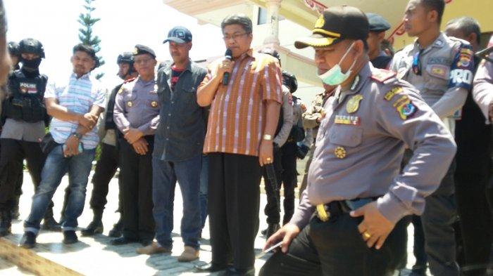 Bupati Sumba Barat Daya Temani KPK! Demonstran Bertahan