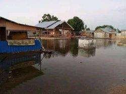 Duh, Gelombang Pasang Mengamuk, Rumah Warga Marapokot Terendam, Air Masuk Rumah 30 Sentimeter