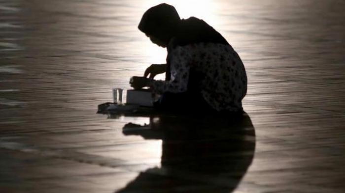 10 Waktu Doa Paling Mustajab di Bulan Ramadan, Termasuk Ketika Hujan Turun
