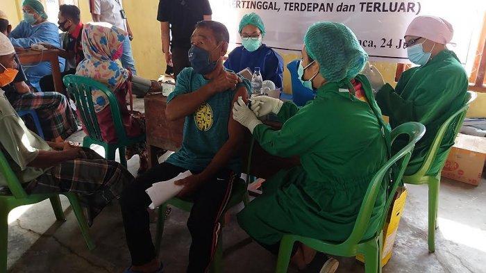 Warga Pulau Rinca Kabupaten Mabar Antusias Jalani Vaksinasi Dosis Kedua