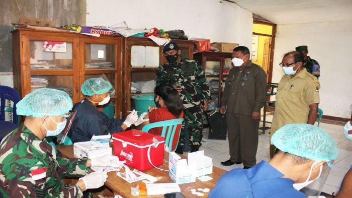 Serbuan Vaksinasi Di Desa Penfui Timur, Danlanud El Tari Turun Langsung Tinjau Lokasi