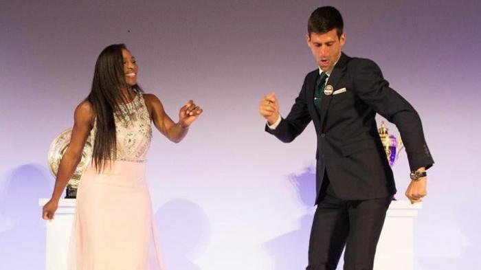 Serena Wlliams dan Novak Djokovic berdansa di malam gala Dinner Wimbledon