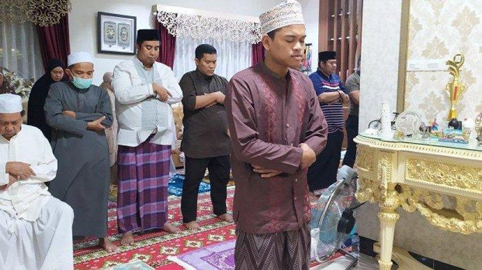 Shalat Idul Fitri di Rumah, Ini Panduan Tata Cara dan Contoh Naskah Khutbah