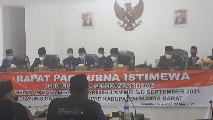 Bupati & Wabup Hadiri Sidang Paripurna Istimewa Penutupan dan Pembukaan Sidang III DPRD Sumba Barat