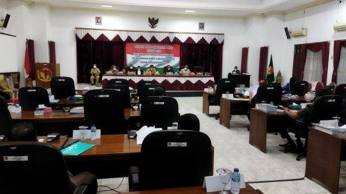 Bupati Belu Jawab Pertanyaan Fraksi DPRD Secara Tuntas