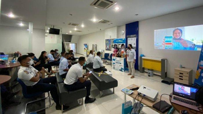Sinergi BUMN, PLN UP3 Sumba Kenalkan PLN Mobile ke Perbankan