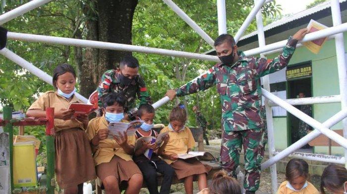 Personel TNI Satgas Pamtas Beri Motivasi Siswa Tetap Belajar di Masa Pandemi Covid-19