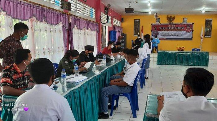 Cerita Rambu Upa Usai Vaksin Dosis Pertama Sinovac di SMAN 1 Waingapu