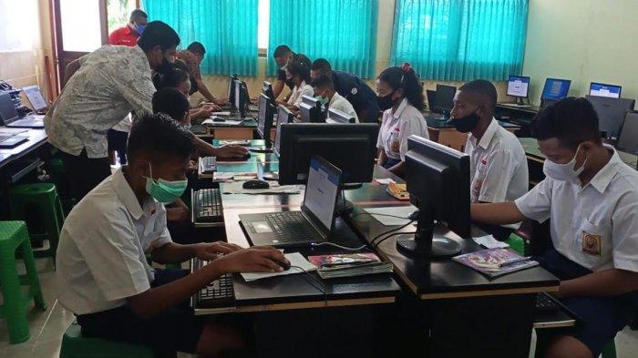 Dua SMP di Kecamatan Belajar Simulasi ANBK si SMPK Frater Maumere