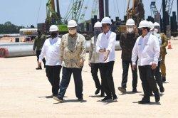 Groundbreaking Smalter Freeport Diluncurkan Presiden Jokowi Bersama Menko Airlangga  di Gresik