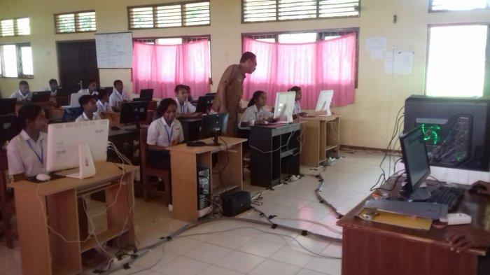 Kepsek SMPN I Aesesa Selatan Akui Fasilitas untuk UNBK Masih Minim