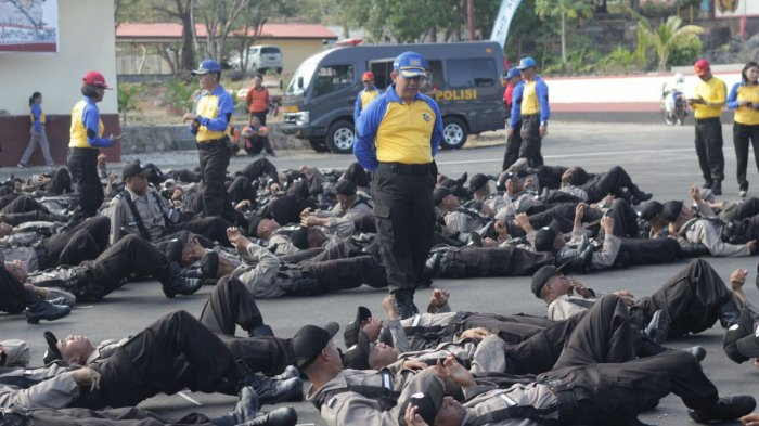 Suasana latihan pengenalan lingkungan di SPN Kupang,