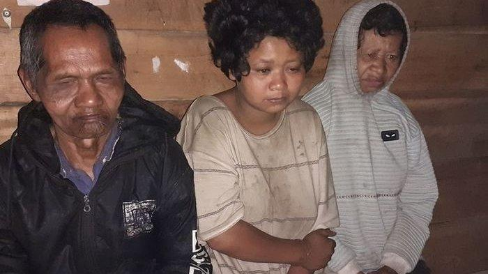 Pria Tunanetra di Manggarai Timur NTT Ini Setia Rawat Istri dan Anaknya yang Alami Gangguan Jiwa