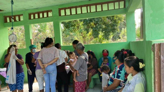 56 Balita di Posyandu Laus Nunkurus Kabupaten Kupang Dapat Makanan Tambahan