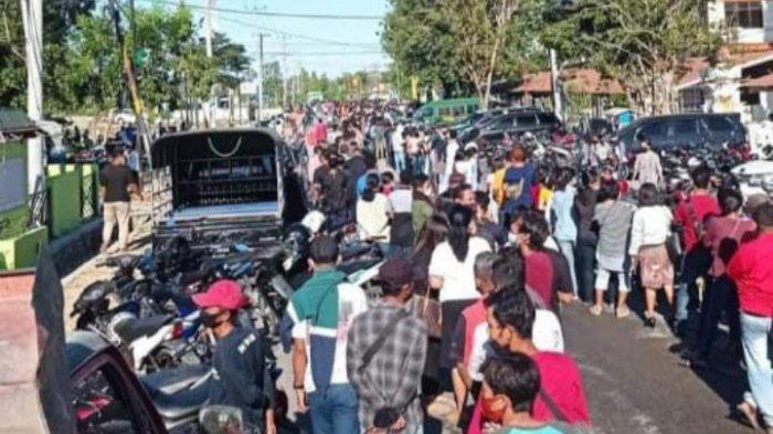 Pengamat Kesehatan Sayangkan Kerumunan saat Warga Ikut Vaksin di Kupang