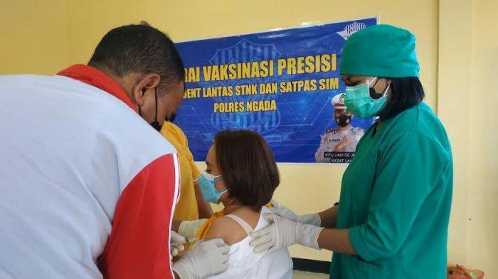 Satuan Lalu Lintas Polres Ngada Buka Gerai Vaksinasi Presisi Masal