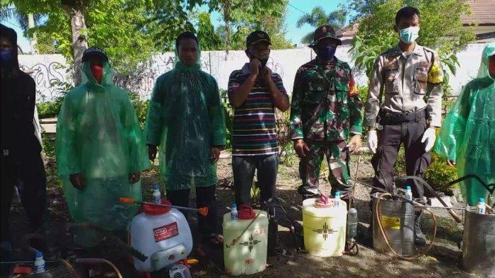Ratusan Rumah Warga di Kelurahan Wae Kelambu Disemprot Desinfektan