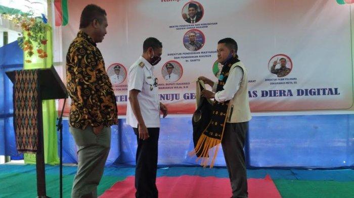 Wabup Marianus Launching Kampung Literasi TBM Pelihara