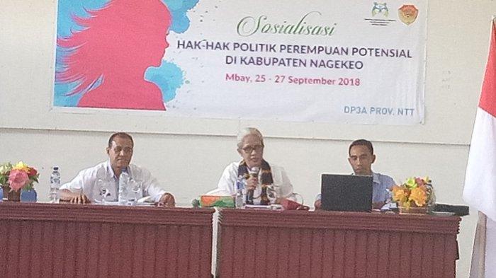 Emi Nomleni Jadi Narasumber Sosialisasi Hak-hak Politik Perempuan Potensial di Nagekeo