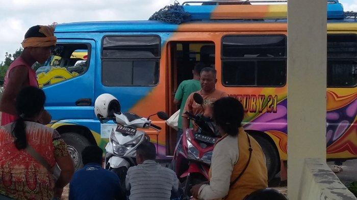 Aktivitas di Terminal Weekarou Ramai, Sopir Bus Kembali Beroperasi