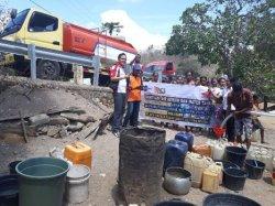 Terima Bantuan Air Bersih dan Fiber Penampung, Warga Faenake Mengaku Terbantu
