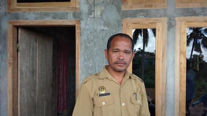 Warga Desa Surunumbeng Kabupaten Manggarai Barat Harap Pelayanan Listrik