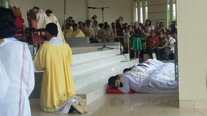 Tahbiskan Imam Baru, Dubes Vatikan Berpesan Ikuti Teladan Bunda Maria
