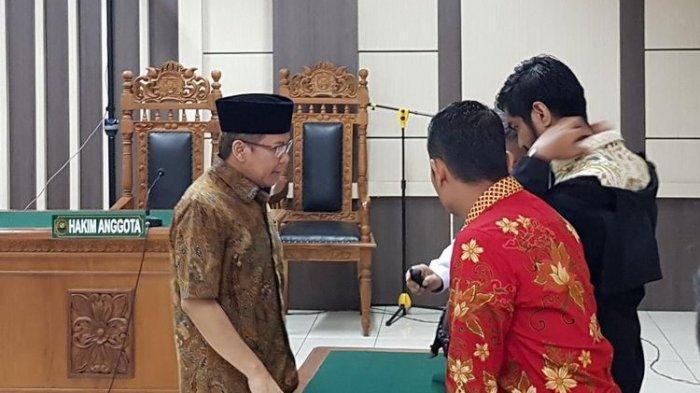 Tak Hanya Dituntut 8 Tahun Penjara, KPK Minta Hak Politik Taufik Kurniawan Dicabut
