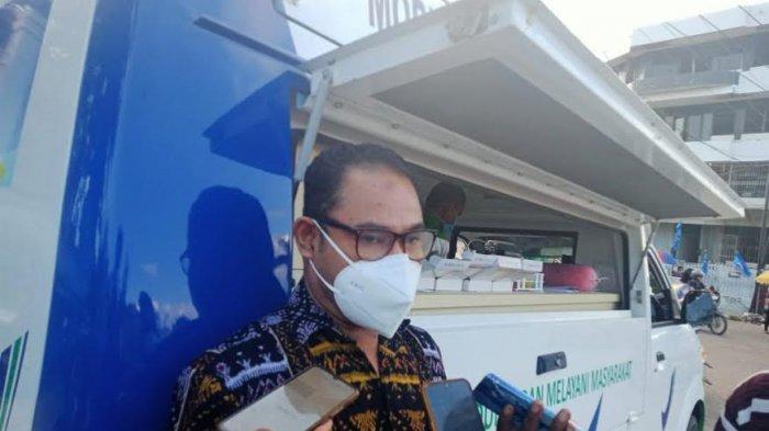Kepala BPOM Kupang, Tamran Ismail, S.Si, MP saat sedang memberikan keterangan pers.