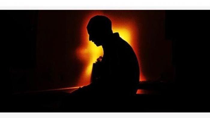 Tips  Ustaz Adi Hidayat Agar Terbiasa Bangun Sepertiga Malam untuk Sholat Tahajud,Manjur Usir Kantuk