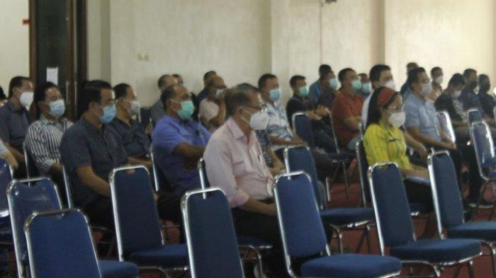 Tata Kota Waikabubak, Bupati Yohanes Dade Minta Pengusaha Pasang Lampu di Halaman Rumah