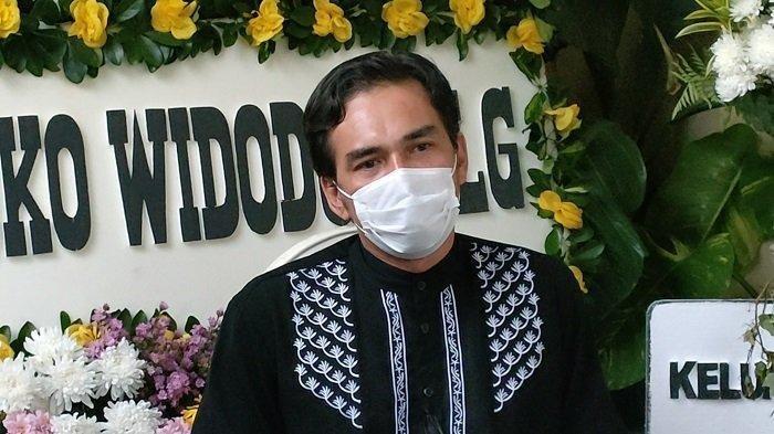 Presiden Jokowi Kirim Karangan Bunga ke Rumah Rina Gunawan Tenda Sepi Tanpa Hiruk Pikuk Para Pelayat
