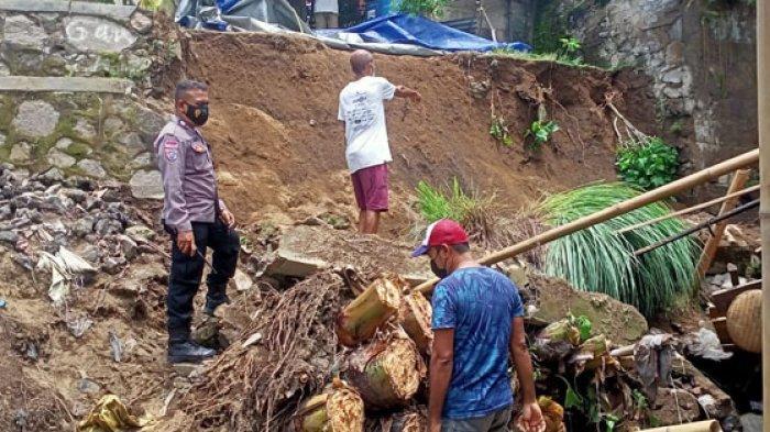 Tembok Penahan Tanah di Onekore Ende Ambruk Rumah Warga Terancam