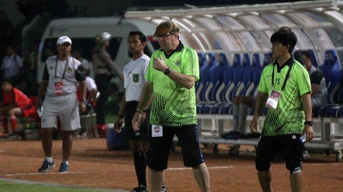 Ternyata Ini Alasan Pelatih Persib, Robert Rene Alberts Berlabuh di Stadion Kapten I Wayan Dipta